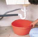 Comment déboucher un évier ?